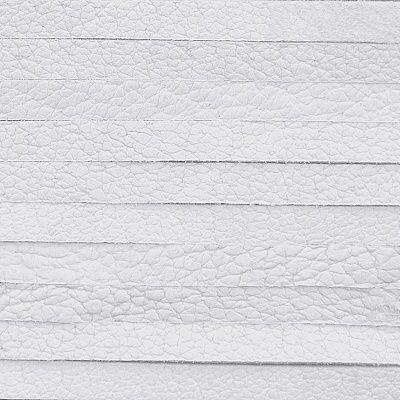 bílá plochá kůže