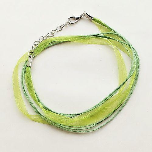 zelená stuha se zapínáním