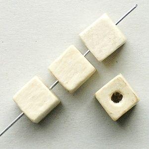 kostičky korálky dřevěné