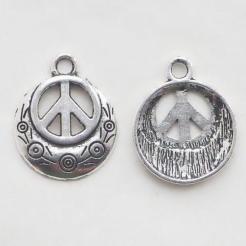 přívěsek hippie