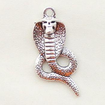 přívěsek kobra had