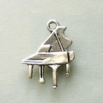 přívěsek klavír