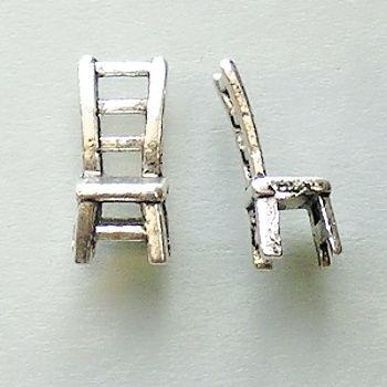 přívěsek židlička